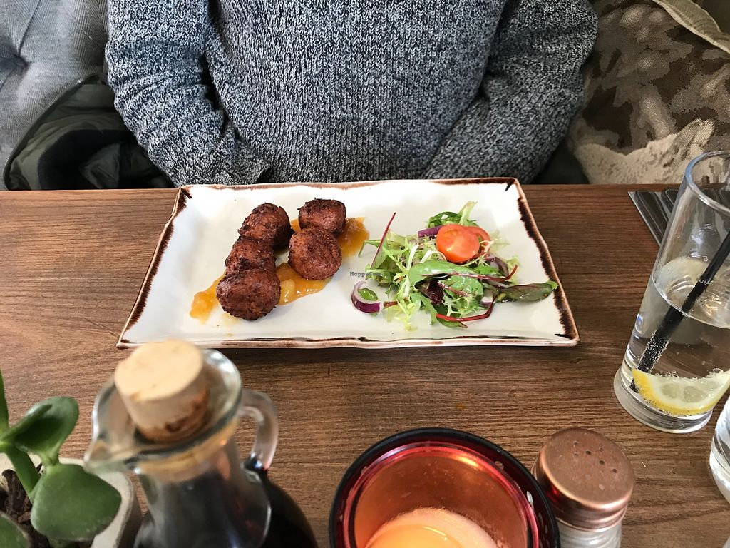 """Photo of The Butlers Arms  by <a href=""""/members/profile/Sasha200692"""">Sasha200692</a> <br/>Sweet potato pakoras  <br/> February 27, 2018  - <a href='/contact/abuse/image/109729/364573'>Report</a>"""