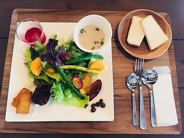 """Photo of Where is a dog  by <a href=""""/members/profile/nobumiya"""">nobumiya</a> <br/>VEGAN Plate(Seasonal coloring vegetables, rice bread, soup, garnish 3 kinds, mini dessert ) <br/> February 13, 2018  - <a href='/contact/abuse/image/109786/358708'>Report</a>"""