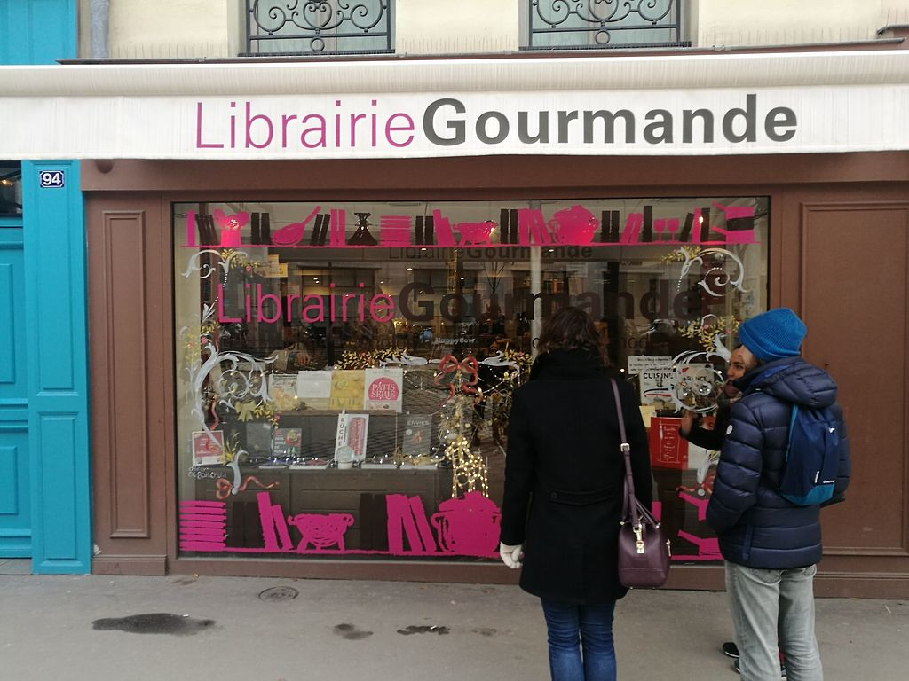 """Photo of Vegan Culinary Tours Paris  by <a href=""""/members/profile/ThomasTieyre"""">ThomasTieyre</a> <br/>Stop in front of a food book store <br/> January 22, 2018  - <a href='/contact/abuse/image/109915/349706'>Report</a>"""