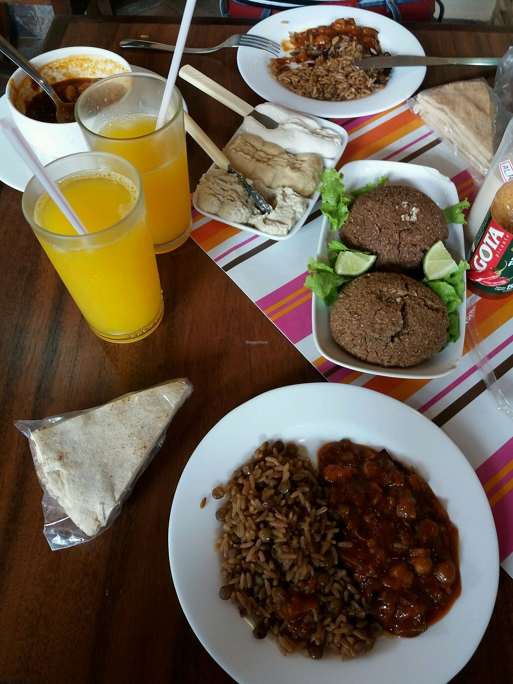 """Photo of Abu Salin Delicias Arabes   by <a href=""""/members/profile/Macintouch"""">Macintouch</a> <br/>Well served <br/> January 20, 2018  - <a href='/contact/abuse/image/109940/349024'>Report</a>"""