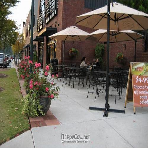 """Photo of CLOSED: World Peace Cafe  by <a href=""""/members/profile/ashleyhansen"""">ashleyhansen</a> <br/>Outside Seating <br/> November 28, 2008  - <a href='/contact/abuse/image/10995/1272'>Report</a>"""