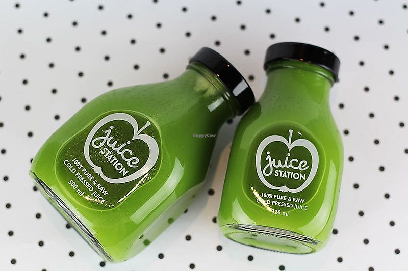 "Photo of Juice Station  by <a href=""/members/profile/SujitMohanty"">SujitMohanty</a> <br/>Fresh Raw Green Cold Pressed Juice <br/> January 22, 2018  - <a href='/contact/abuse/image/110122/349655'>Report</a>"