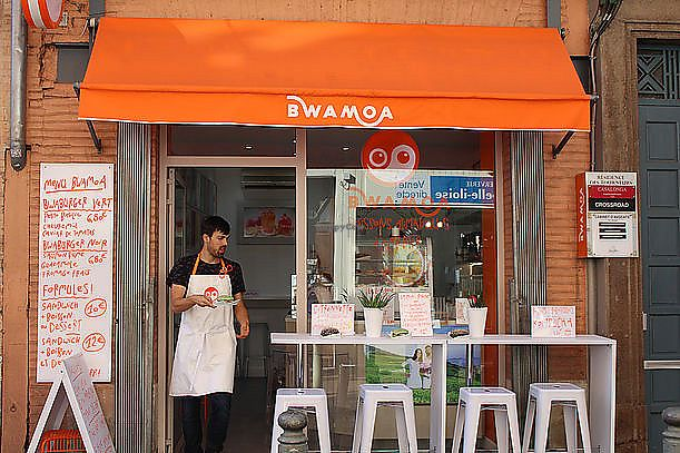 """Photo of BWAMOA  by <a href=""""/members/profile/V%C3%A9g%C3%A9vincent"""">Végévincent</a> <br/>The owner Vincent serving Bwaburgers on the terrace in rue des Tourneurs Toulouse ! <br/> January 24, 2018  - <a href='/contact/abuse/image/110248/350486'>Report</a>"""