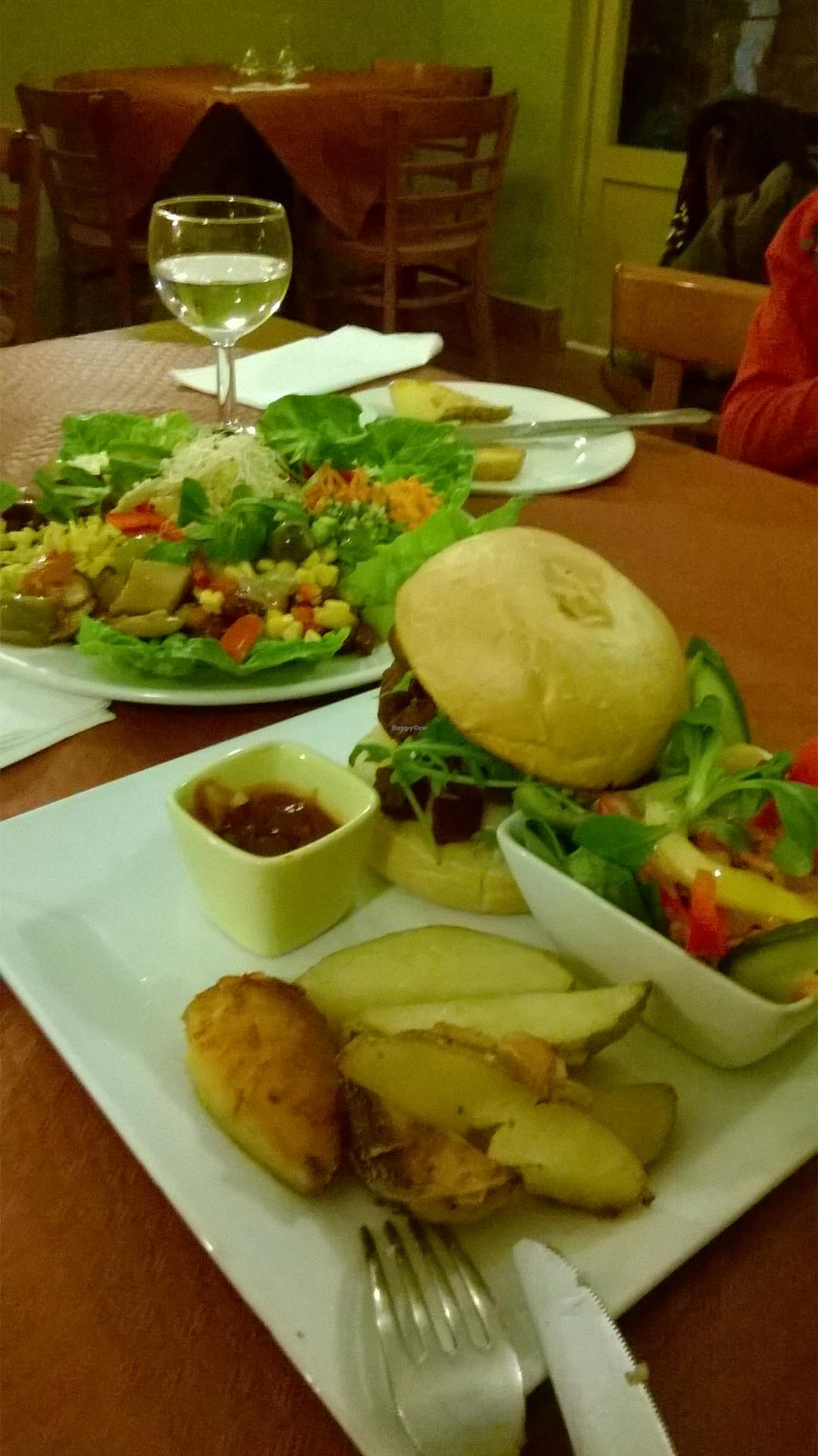 "Photo of Beet Vegetariano  by <a href=""/members/profile/thecatinthetree"">thecatinthetree</a> <br/>Waikiki burger & Salad Platter <br/> December 12, 2014  - <a href='/contact/abuse/image/1102/87815'>Report</a>"