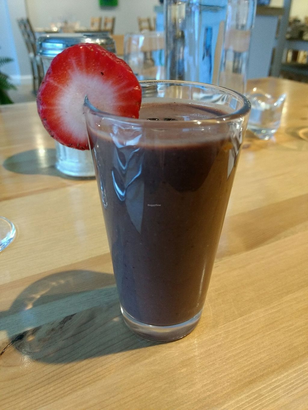 """Photo of Le Bistro V Riviere-du-Loup  by <a href=""""/members/profile/LaumaDupuis"""">LaumaDupuis</a> <br/>smoothie cerises chocolat <br/> March 13, 2018  - <a href='/contact/abuse/image/110481/370242'>Report</a>"""