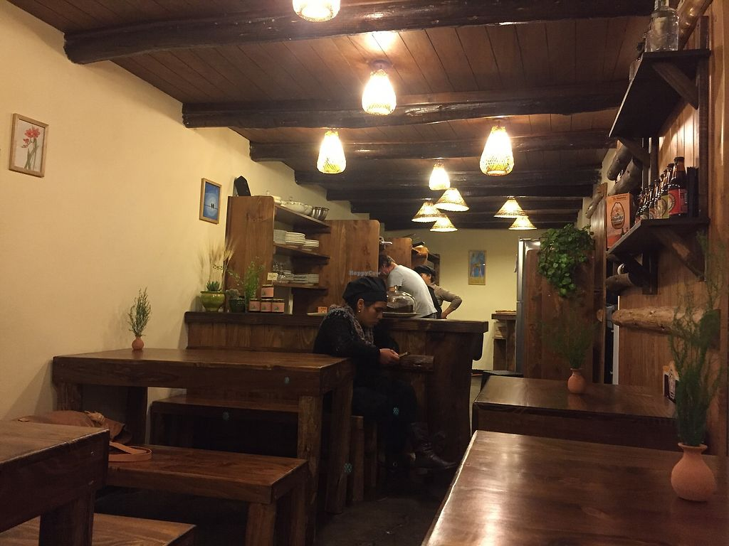 """Photo of La Pizza Del Abuelo  by <a href=""""/members/profile/joegelay"""">joegelay</a> <br/>Small, cozy atmosphere  Lugar acogedor y lindo <br/> February 2, 2018  - <a href='/contact/abuse/image/110594/354160'>Report</a>"""