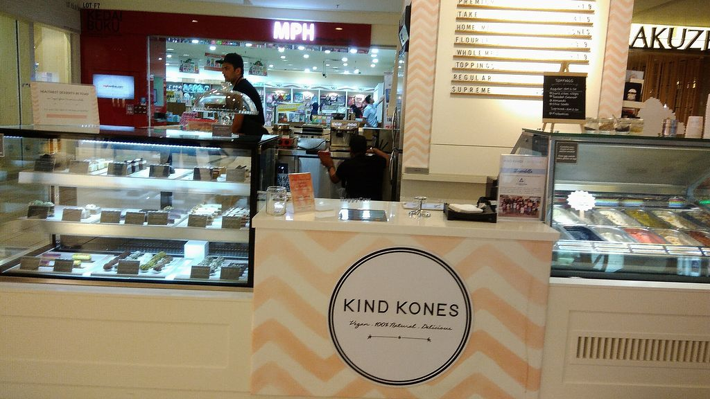 """Photo of Kind Kones - Bangsar Village  by <a href=""""/members/profile/ChoyYuen"""">ChoyYuen</a> <br/>Image of front counter <br/> April 17, 2018  - <a href='/contact/abuse/image/110601/387054'>Report</a>"""