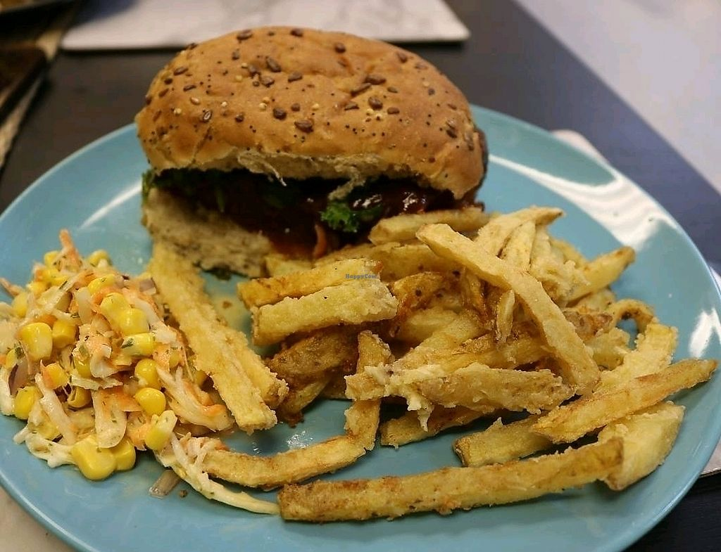 """Photo of Earth's Kitchen  by <a href=""""/members/profile/thomquinoa"""">thomquinoa</a> <br/>jerk burger. This is amazing!  <br/> February 11, 2018  - <a href='/contact/abuse/image/110630/357856'>Report</a>"""
