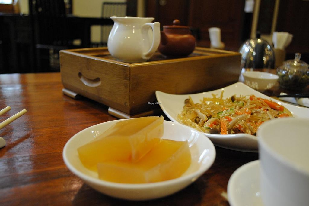 "Photo of LockCha Tea House  by <a href=""/members/profile/aevankow"">aevankow</a> <br/>Premium Yixing Gongfu Red Tea with Seaweed salad and dessert <br/> April 6, 2015  - <a href='/contact/abuse/image/11069/98024'>Report</a>"