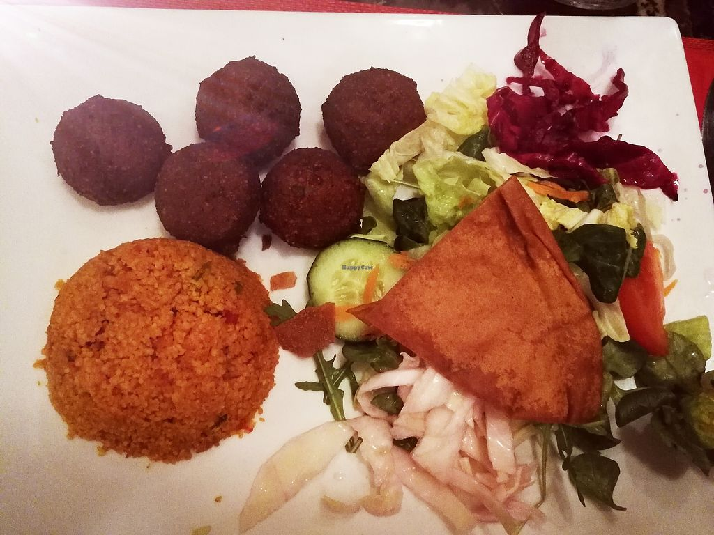 """Photo of Cedar's  by <a href=""""/members/profile/Marin100"""">Marin100</a> <br/>Falafel Teller <br/> January 29, 2018  - <a href='/contact/abuse/image/110739/352477'>Report</a>"""