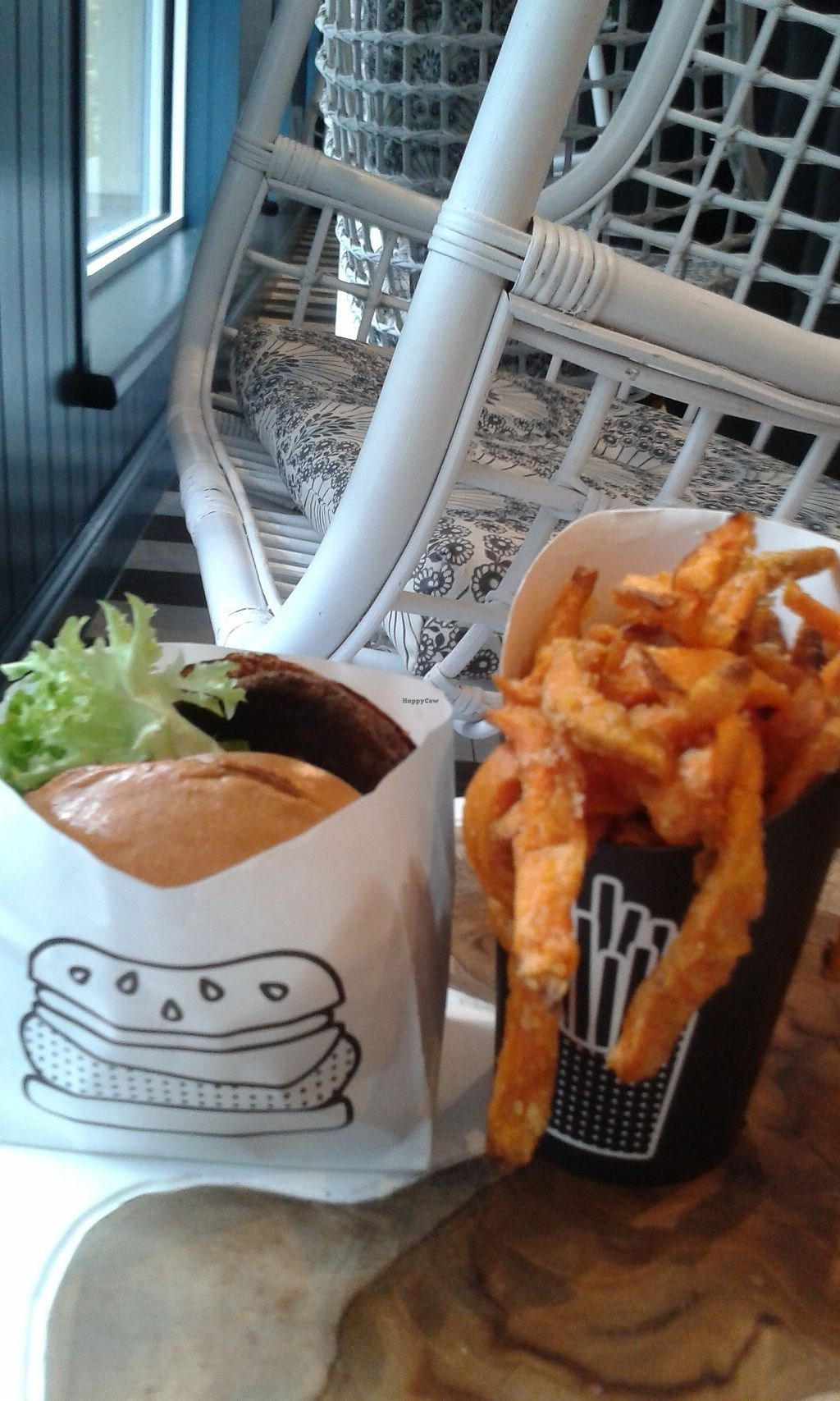 "Photo of By Chloe - Covent Garden  by <a href=""/members/profile/Vegancucc"">Vegancucc</a> <br/>Hamburger and air baked sweet potato fries <br/> February 6, 2018  - <a href='/contact/abuse/image/111410/355811'>Report</a>"