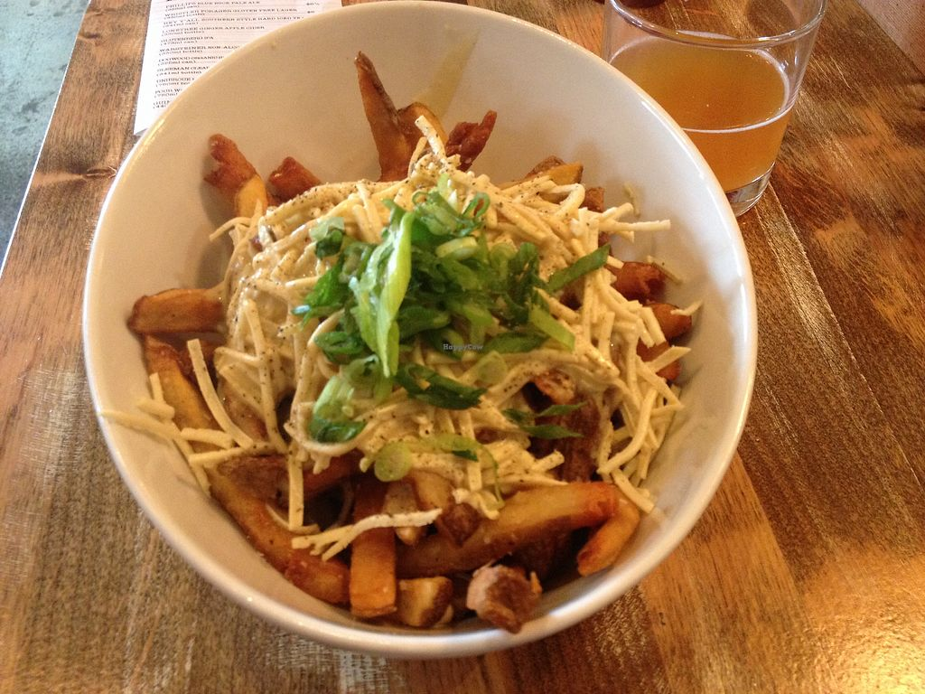 """Photo of MeeT in Yaletown  by <a href=""""/members/profile/AutumnTierra"""">AutumnTierra</a> <br/>Vegan poutine! <br/> April 20, 2018  - <a href='/contact/abuse/image/111606/388735'>Report</a>"""