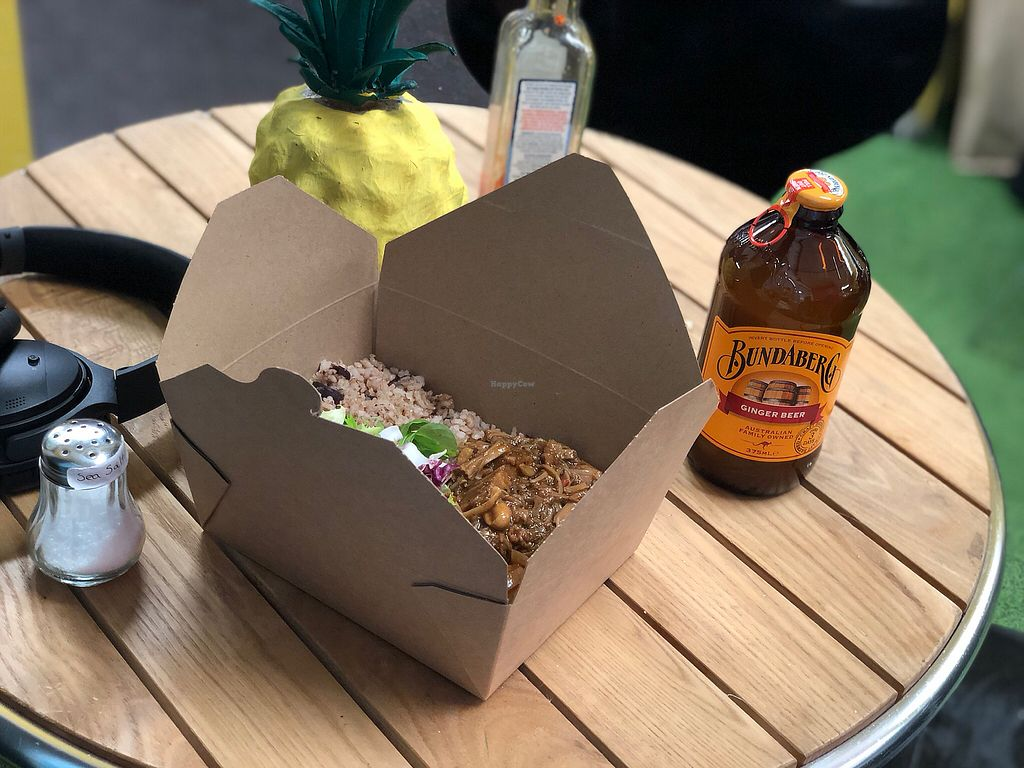 """Photo of The Beach Hut  by <a href=""""/members/profile/willtonkin"""">willtonkin</a> <br/>Jerk jackfruit, delicious <br/> March 31, 2018  - <a href='/contact/abuse/image/111786/378755'>Report</a>"""