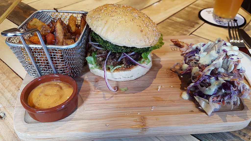 """Photo of L'Embargo  by <a href=""""/members/profile/JonJon"""">JonJon</a> <br/>Mushroom burger (forestier) <br/> March 11, 2018  - <a href='/contact/abuse/image/111936/369441'>Report</a>"""