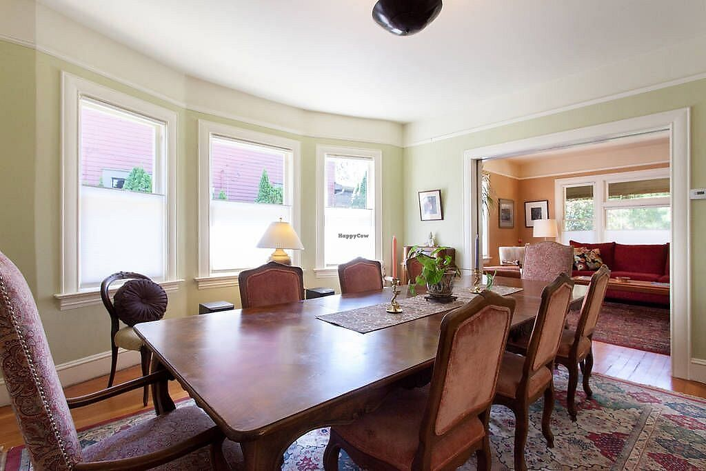 """Photo of Portland Vegan Guest House  by <a href=""""/members/profile/WildwoodDM"""">WildwoodDM</a> <br/>Shared dining room.  <br/> February 19, 2018  - <a href='/contact/abuse/image/112393/361342'>Report</a>"""