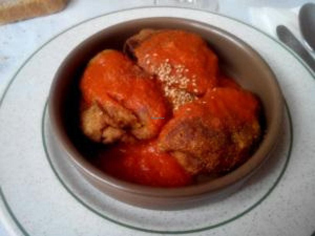 """Photo of CLOSED: Vegetariano  by <a href=""""/members/profile/AshleyB"""">AshleyB</a> <br/>Samosas in a slightly spicy tomato sauce <br/> November 3, 2014  - <a href='/contact/abuse/image/1124/84530'>Report</a>"""
