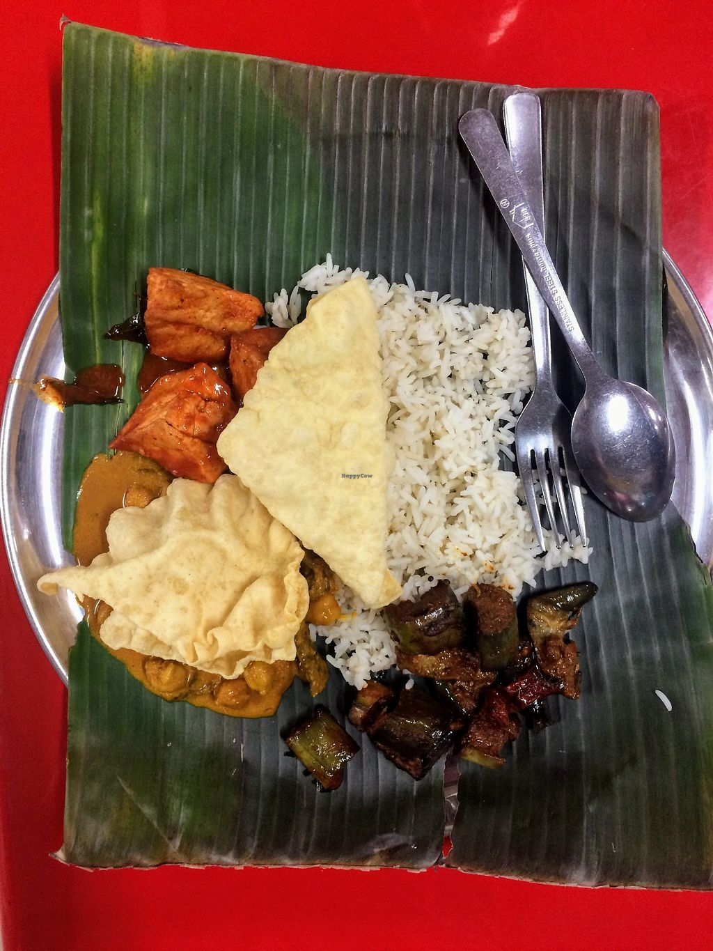 """Photo of Santhi Food Court  by <a href=""""/members/profile/LaurenceMontreuil"""">LaurenceMontreuil</a> <br/>Banana leaf vegetarian set <br/> February 20, 2018  - <a href='/contact/abuse/image/112509/361671'>Report</a>"""