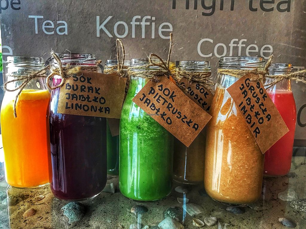 "Photo of Costa Cafe  by <a href=""/members/profile/MuffinTaste"">MuffinTaste</a> <br/>Healthy and freshly prepared juices made of fruits and vegetables. / Zdrowe, świeżo wyciśnięte soki z warzyw i owoców.  <br/> February 22, 2018  - <a href='/contact/abuse/image/112643/362322'>Report</a>"