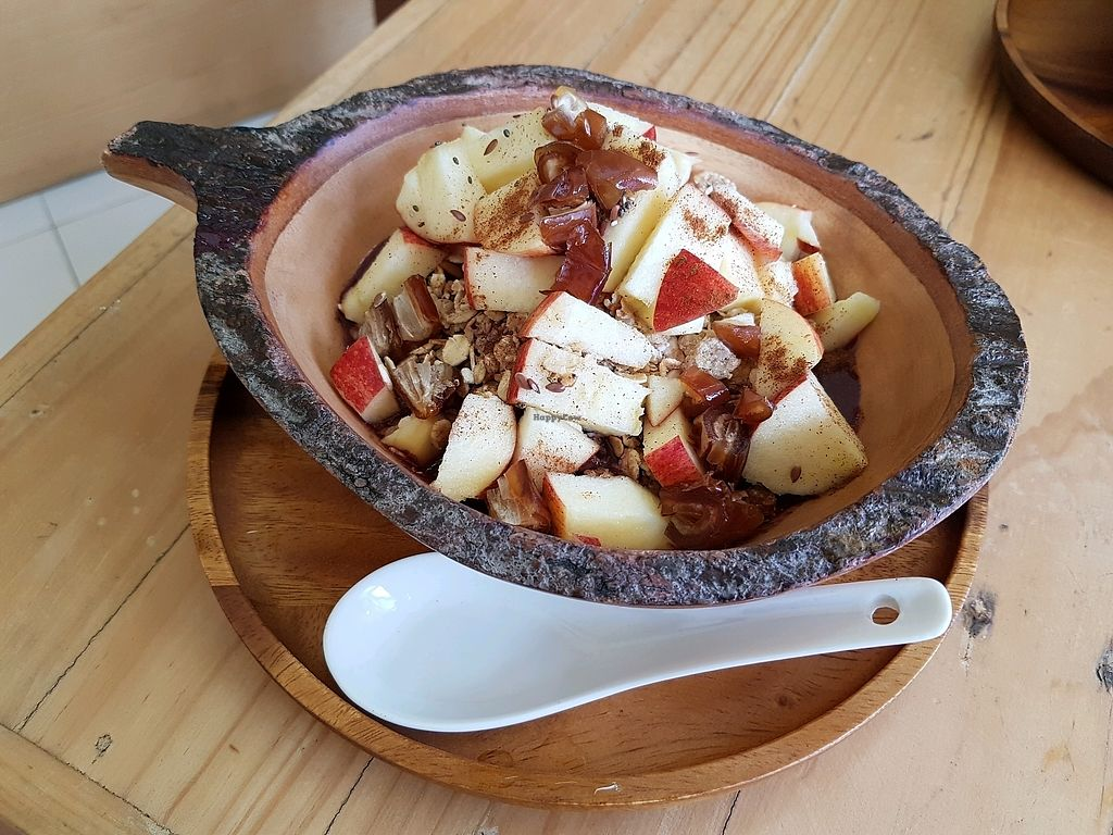 "Photo of Acai Cafe  by <a href=""/members/profile/vegatleticas"">vegatleticas</a> <br/>Apple & Date Bowl <br/> February 25, 2018  - <a href='/contact/abuse/image/112703/363460'>Report</a>"