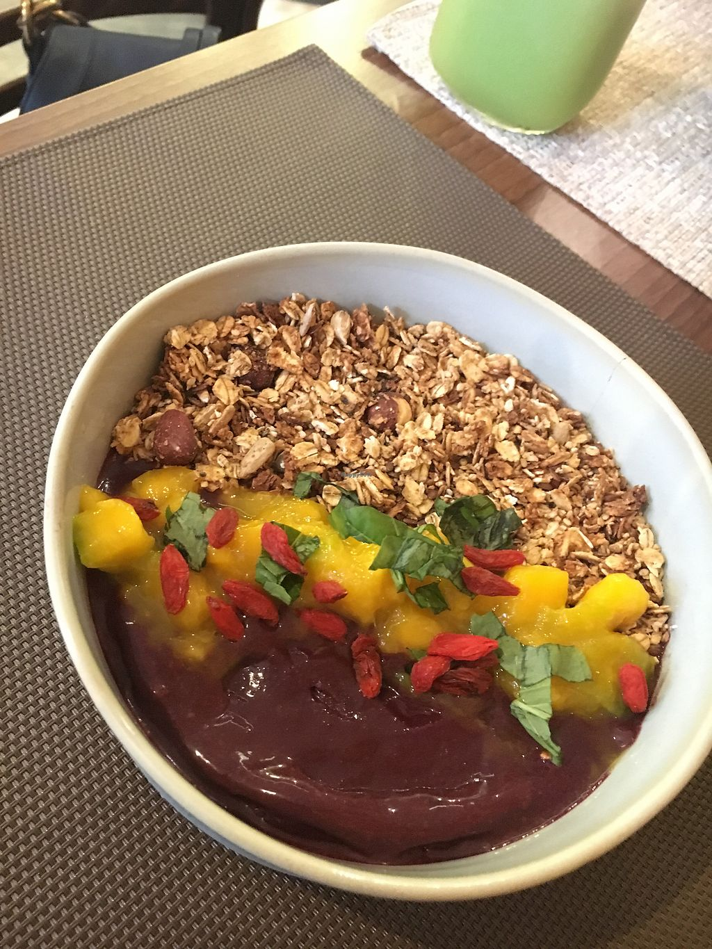 """Photo of Frutaria  by <a href=""""/members/profile/OdeGouge"""">OdeGouge</a> <br/>Açaí bowl <br/> April 21, 2018  - <a href='/contact/abuse/image/112712/389071'>Report</a>"""