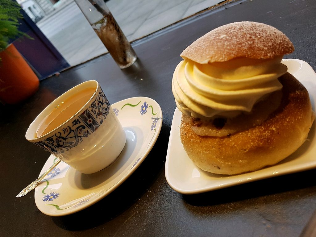 """Photo of Bageri Leve  by <a href=""""/members/profile/EmeliePraktikantenB"""">EmeliePraktikantenB</a> <br/>Coffee and a """"semla"""" ♡ <br/> April 20, 2018  - <a href='/contact/abuse/image/112937/388553'>Report</a>"""