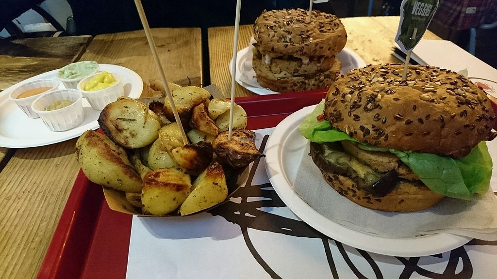 "Photo of Vegetariano & Vegano  by <a href=""/members/profile/RemyDoe"">RemyDoe</a> <br/>Burgers and their fries !! yummy  <br/> March 4, 2018  - <a href='/contact/abuse/image/112977/366701'>Report</a>"