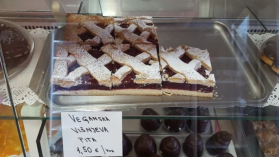"Photo of Pekarna in Slaščičarna Sameja  by <a href=""/members/profile/slovenianvegan"">slovenianvegan</a> <br/>Vegan cherry pie.