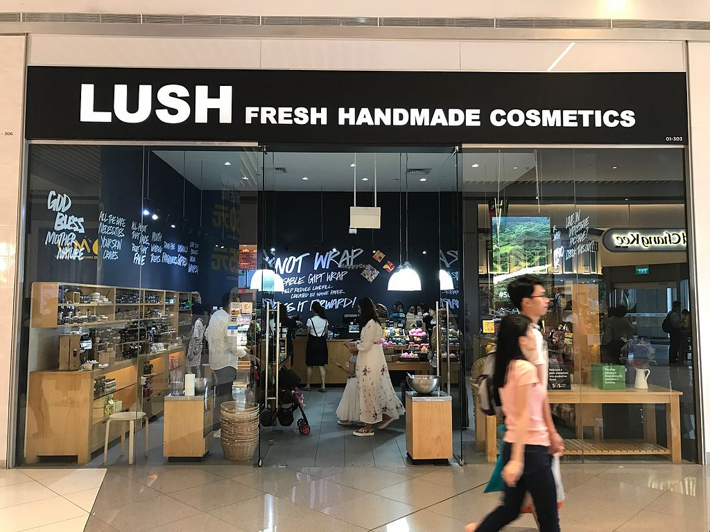 """Photo of Lush - Suntec City Mall  by <a href=""""/members/profile/kkylaye"""">kkylaye</a> <br/>store front <br/> March 24, 2018  - <a href='/contact/abuse/image/113394/375185'>Report</a>"""