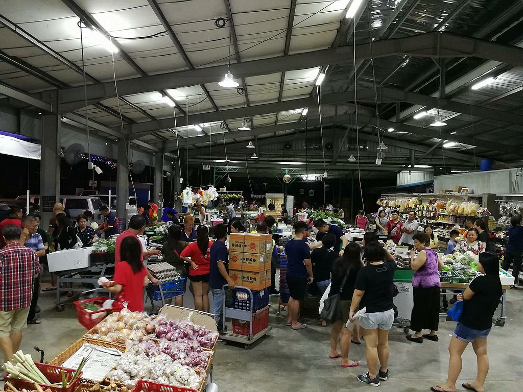 """Photo of Kok Fah Weekend Market  by <a href=""""/members/profile/CherylQuincy"""">CherylQuincy</a> <br/>Weekend market. (Photo from Facebook page) <br/> March 3, 2018  - <a href='/contact/abuse/image/113487/365970'>Report</a>"""