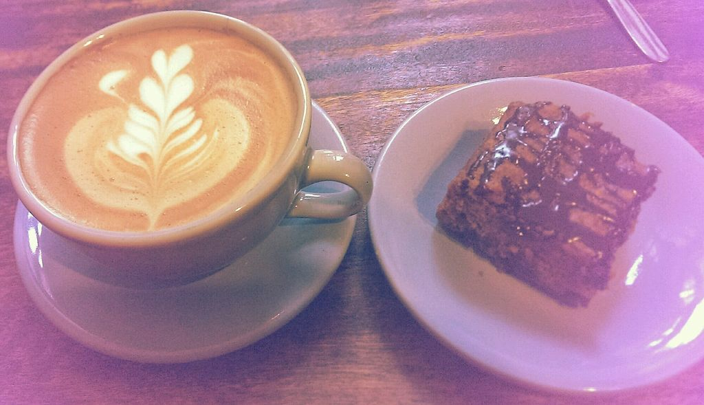 """Photo of Cafe de Nucallacta  by <a href=""""/members/profile/koyotesylvie"""">koyotesylvie</a> <br/>Café con leche de soya y pastel de zanahoria (vegano) <br/> April 19, 2018  - <a href='/contact/abuse/image/113630/388290'>Report</a>"""