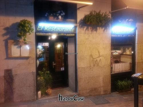 "Photo of El Restaurante Vegetariano - Tribunal  by <a href=""/members/profile/Fer"">Fer</a> <br/>External view <br/> January 27, 2013  - <a href='/contact/abuse/image/1136/43406'>Report</a>"