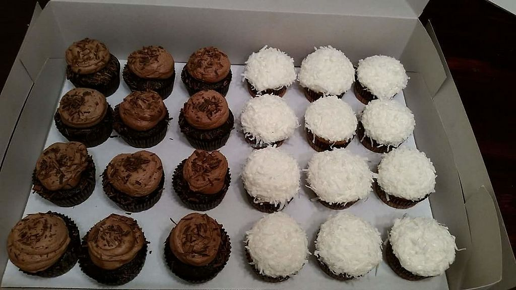 """Photo of Kind Confections  by <a href=""""/members/profile/ladenfamily%40yahoo.com"""">ladenfamily@yahoo.com</a> <br/>Cupcakes <br/> March 5, 2018  - <a href='/contact/abuse/image/113726/367110'>Report</a>"""