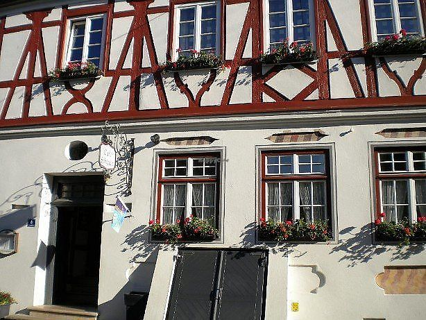 """Photo of Café Schlecht  by <a href=""""/members/profile/community5"""">community5</a> <br/>Café Schlecht <br/> March 19, 2018  - <a href='/contact/abuse/image/113921/372883'>Report</a>"""