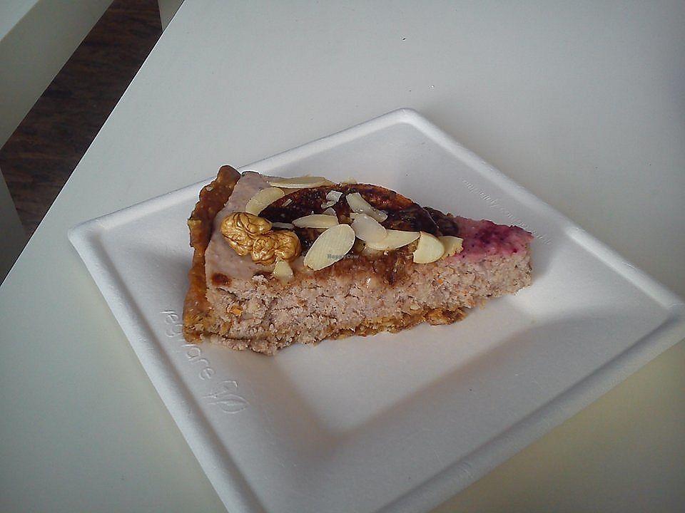 "Photo of Bez Lukru  by <a href=""/members/profile/FernandoMoreira"">FernandoMoreira</a> <br/>vegan cake <br/> March 24, 2018  - <a href='/contact/abuse/image/114255/375369'>Report</a>"