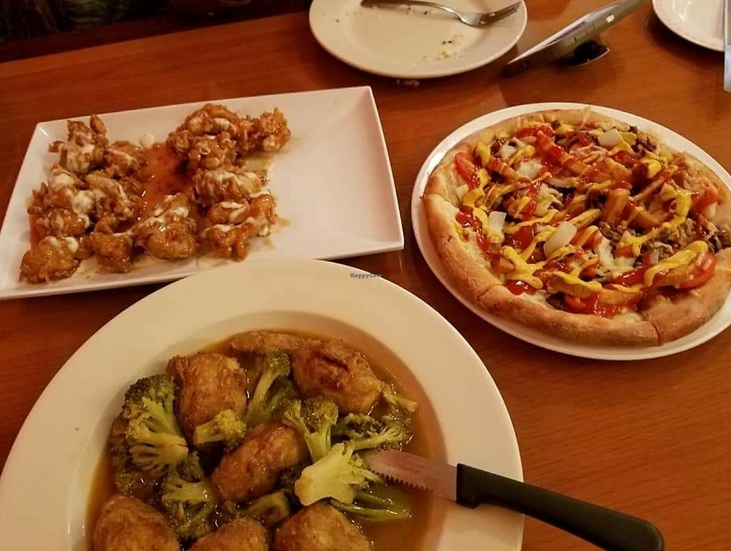 """Photo of Cinelli's Pizza  by <a href=""""/members/profile/DonDePernaJr"""">DonDePernaJr</a> <br/>vegan wings, pizza and artichoke French  <br/> April 4, 2018  - <a href='/contact/abuse/image/114286/380590'>Report</a>"""