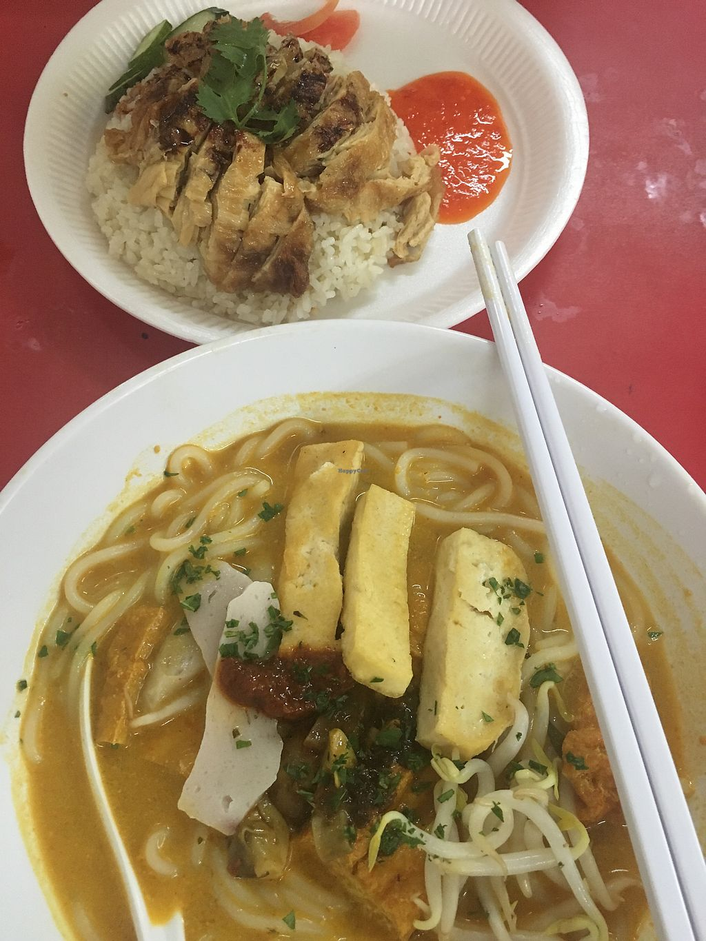 """Photo of An Xin Vegan Stall  by <a href=""""/members/profile/ChenHongwen"""">ChenHongwen</a> <br/>Vegan Laksa and Chicken Rice (no garlic/onion) <br/> March 29, 2018  - <a href='/contact/abuse/image/114347/377608'>Report</a>"""