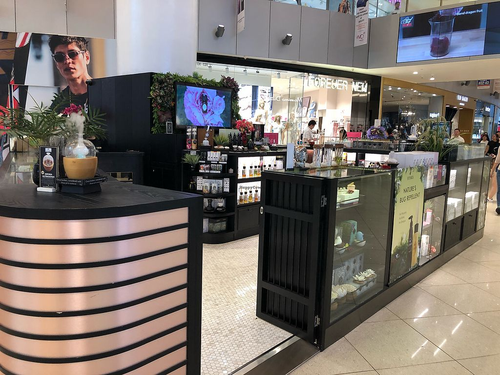 "Photo of Hysses - Vivocity  by <a href=""/members/profile/CherylQuincy"">CherylQuincy</a> <br/>Shop front  <br/> April 18, 2018  - <a href='/contact/abuse/image/114426/387494'>Report</a>"