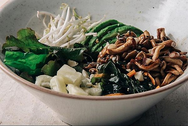 """Photo of L'a Pacific Food  by <a href=""""/members/profile/bfeitosa"""">bfeitosa</a> <br/>Vegan bowl <br/> March 13, 2018  - <a href='/contact/abuse/image/114430/370147'>Report</a>"""