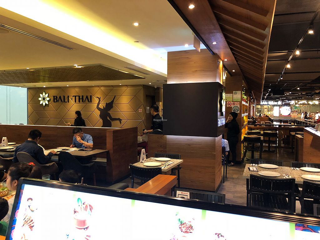 """Photo of Bali Thai - Causeway Point  by <a href=""""/members/profile/CherylQuincy"""">CherylQuincy</a> <br/>Interior <br/> March 13, 2018  - <a href='/contact/abuse/image/114444/370204'>Report</a>"""