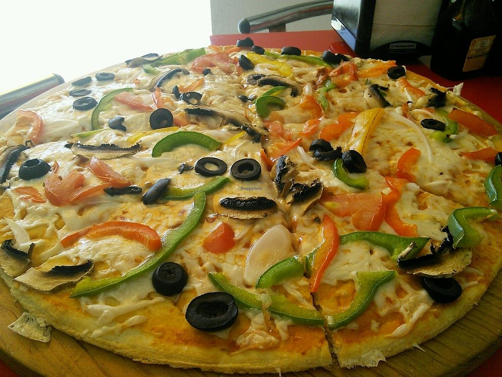 "Photo of Sabor Latino  by <a href=""/members/profile/Vcup"">Vcup</a> <br/>vegan pizza <br/> March 16, 2018  - <a href='/contact/abuse/image/114494/371374'>Report</a>"