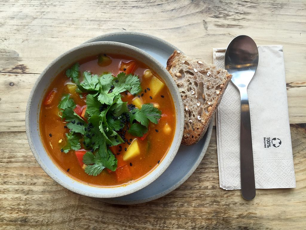 """Photo of Kaffee Ingwer  by <a href=""""/members/profile/Karotte2000"""">Karotte2000</a> <br/>asian chickpea vegetable soup with fresh coriander <br/> March 15, 2018  - <a href='/contact/abuse/image/114577/371099'>Report</a>"""