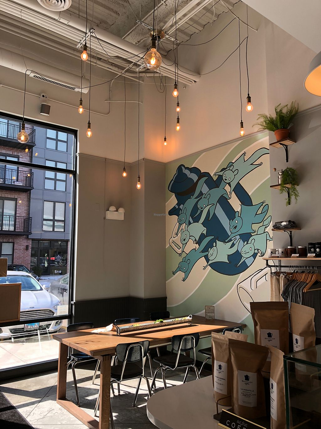 """Photo of Backlot Coffee  by <a href=""""/members/profile/dotmrc"""">dotmrc</a> <br/>Lots of available seating! <br/> March 14, 2018  - <a href='/contact/abuse/image/114582/370637'>Report</a>"""