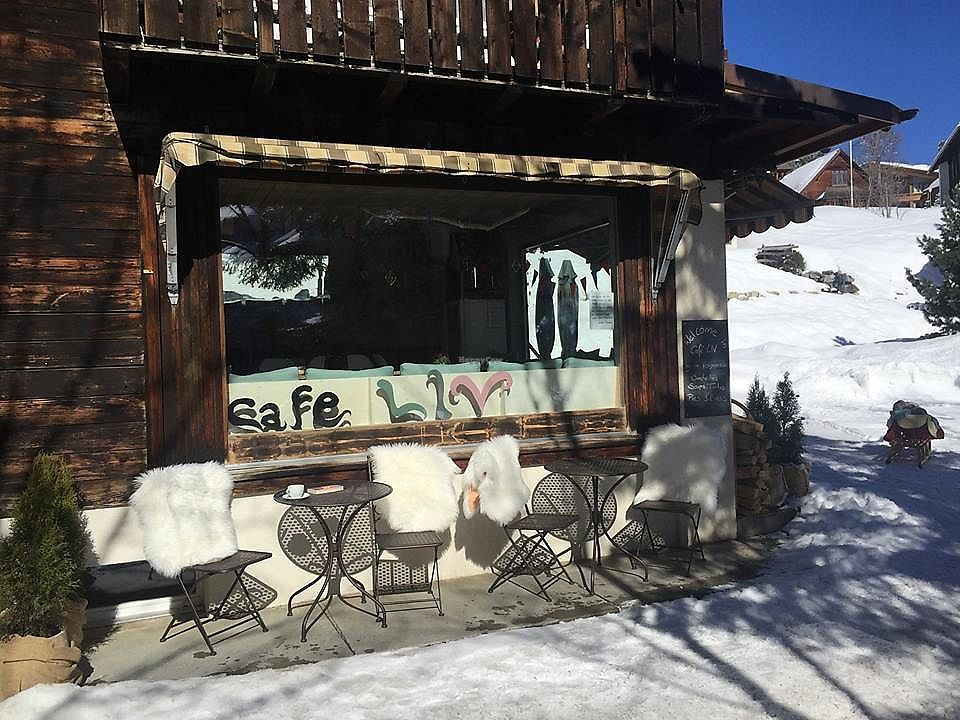"""Photo of Café LIV  by <a href=""""/members/profile/community5"""">community5</a> <br/>Café LIV <br/> March 29, 2018  - <a href='/contact/abuse/image/114657/378033'>Report</a>"""