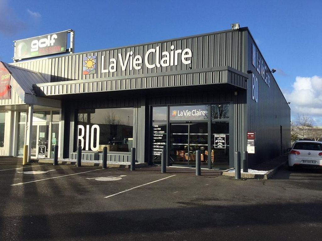 "Photo of Le Caddy Bio - La Vie Claire  by <a href=""/members/profile/community4"">community4</a> <br/>Le Caddy Bio - La Vie Claire  <br/> March 12, 2017  - <a href='/contact/abuse/image/11476/235591'>Report</a>"