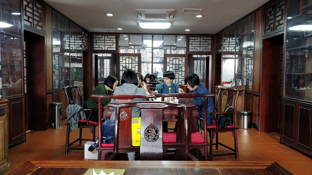 """Photo of Haozizai  by <a href=""""/members/profile/ultm8"""">ultm8</a> <br/>Dinning area <br/> March 21, 2018  - <a href='/contact/abuse/image/114896/373590'>Report</a>"""