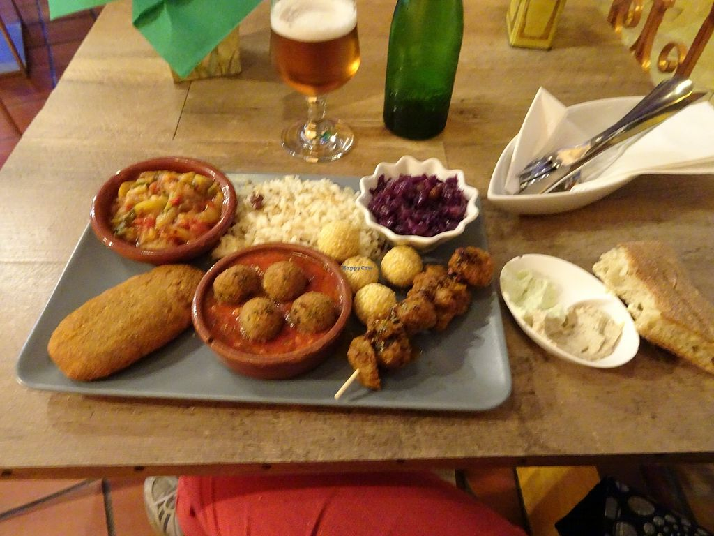"Photo of El Vegetariano de la Alcazabilla  by <a href=""/members/profile/Fionio"">Fionio</a> <br/>Vegan platter- traditional spanish foods veganised: albondigas and the kebab are particularly yum! Comes with 3 salads which vary daily <br/> March 27, 2018  - <a href='/contact/abuse/image/1148/376776'>Report</a>"