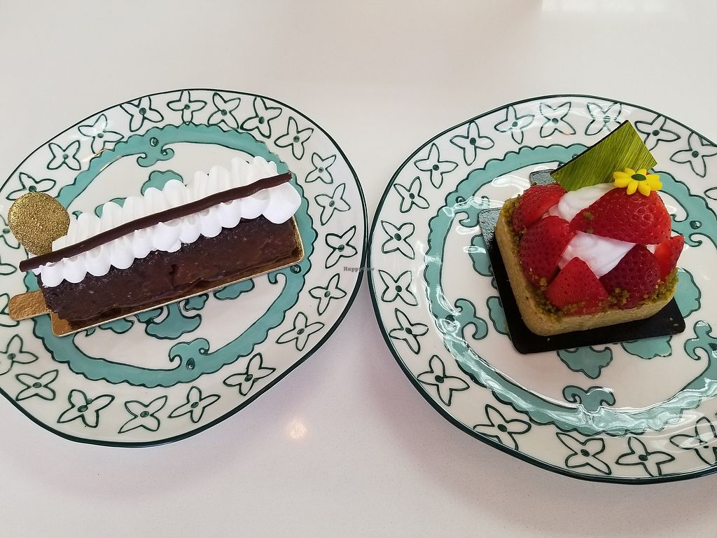 "Photo of L'Artisane Creative Bakery  by <a href=""/members/profile/_lawlipops_"">_lawlipops_</a> <br/>Brownie and strawberry tart with coconut whip <br/> March 27, 2018  - <a href='/contact/abuse/image/114965/376815'>Report</a>"
