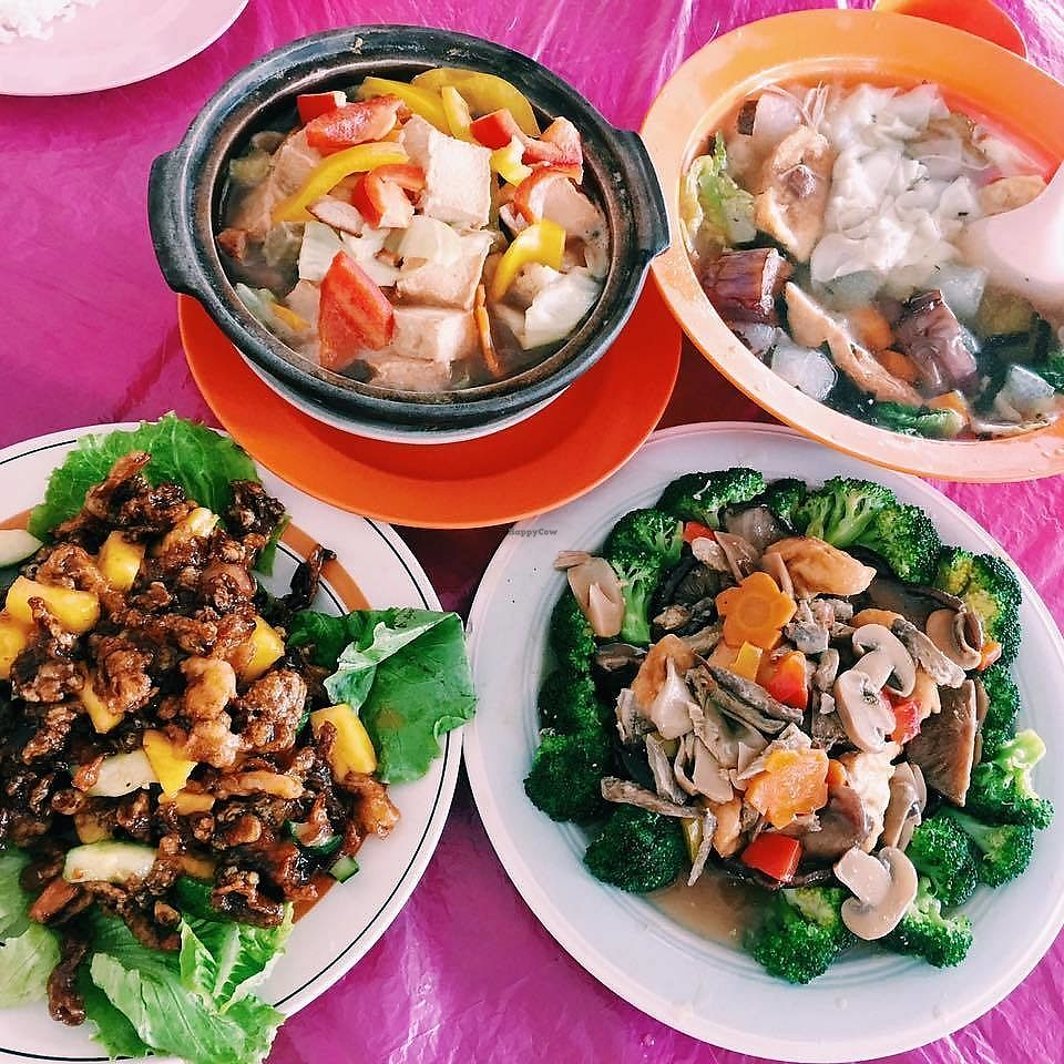 "Photo of Ciyi Vegetarian House  by <a href=""/members/profile/CherylQuincy"">CherylQuincy</a> <br/>Zichar dishes <br/> March 19, 2018  - <a href='/contact/abuse/image/114982/372927'>Report</a>"