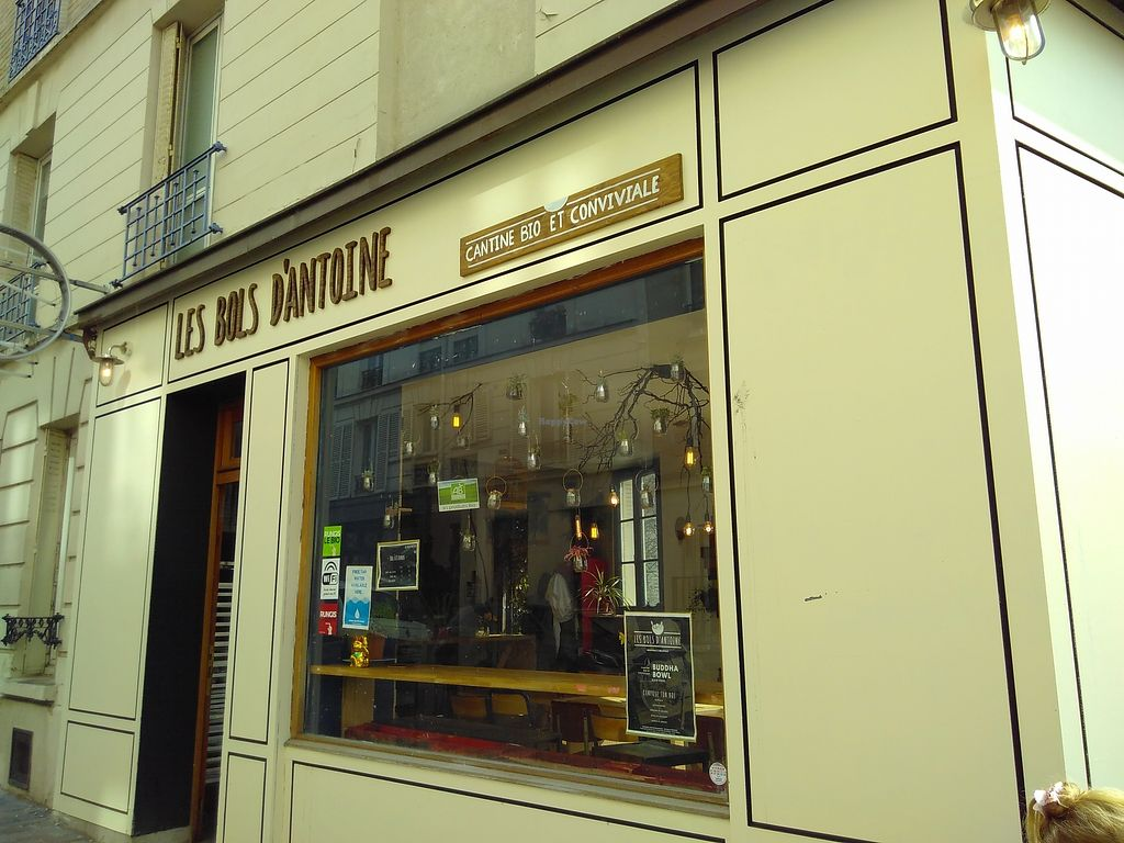 """Photo of Les Bols d'Antoine  by <a href=""""/members/profile/mcld"""">mcld</a> <br/>shopfront <br/> March 20, 2018  - <a href='/contact/abuse/image/115057/373441'>Report</a>"""