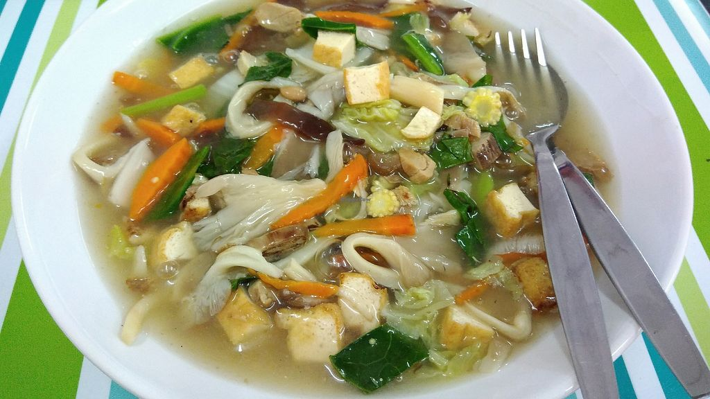 """Photo of JahSunee  by <a href=""""/members/profile/ChoyYuen"""">ChoyYuen</a> <br/>Rice noodles in thick gravy  <br/> March 21, 2018  - <a href='/contact/abuse/image/115228/374006'>Report</a>"""